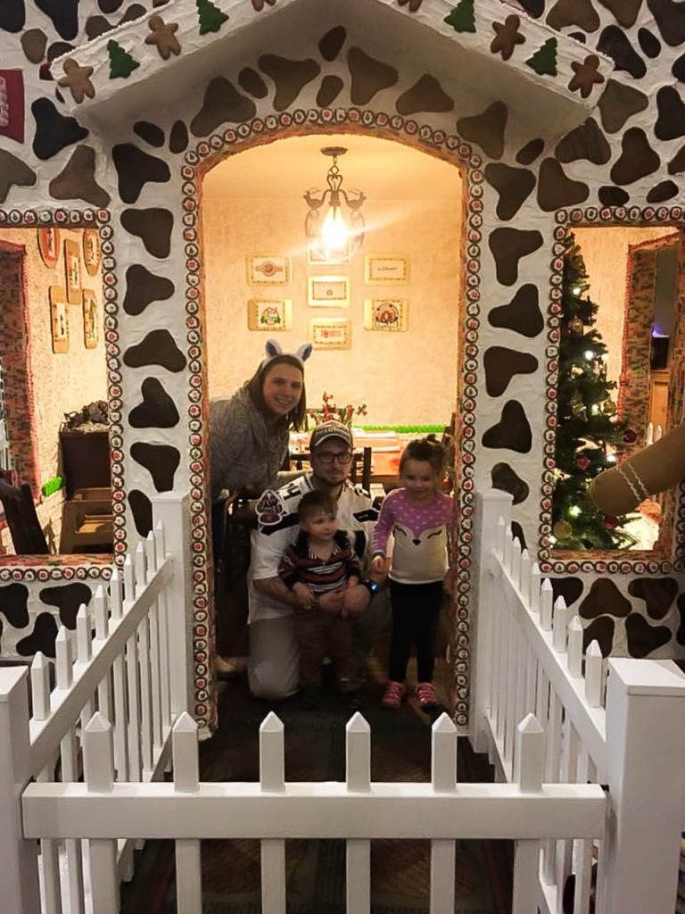 Create a special Christmas or Holiday memory and dine inside a real gingerbread house at Great Wolf Lodge! #GWLHowlidays #GWLGrandMound