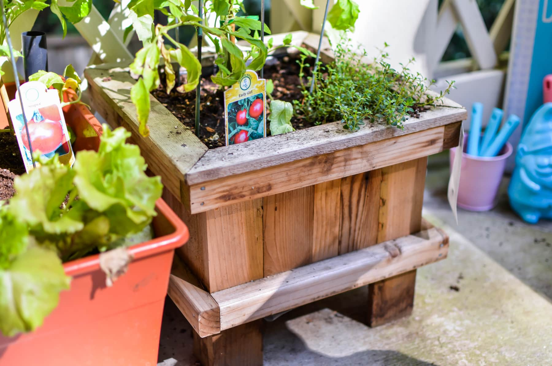 Small patio garden inspiration brought to you by mom for Small garden inspiration