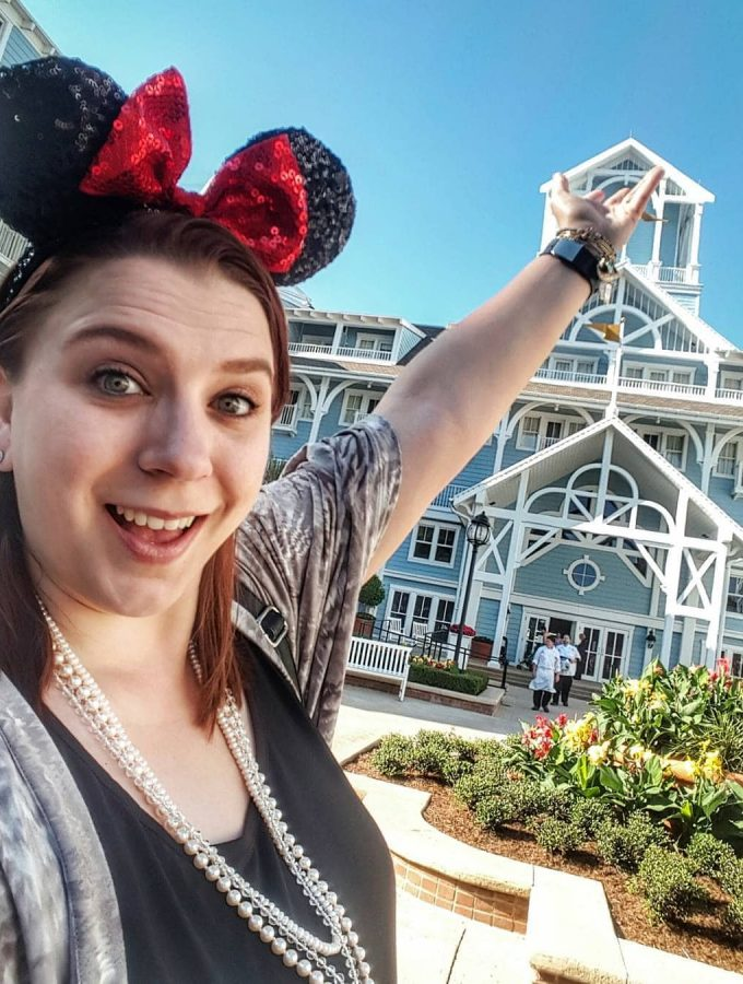 Yacht vs Beach Club at Walt Disney World Resort. Which side is family friendly or offers more food selections? Read for your travel plans.