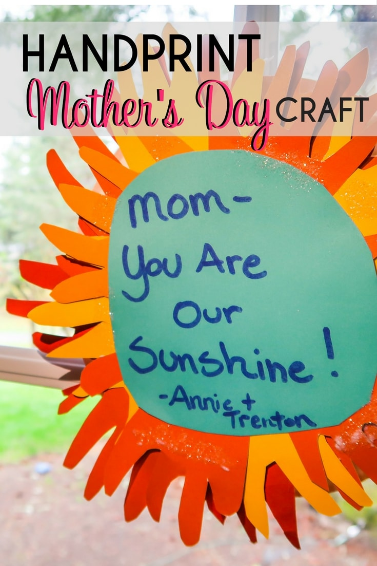 Mother's Day Handprint craft tutorial. Kids handprint sunshine that kids can make for Mother's Day. An easy DIY craft for Mom.
