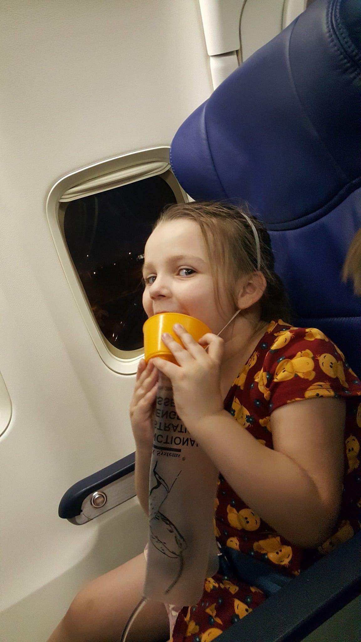 kid on plane