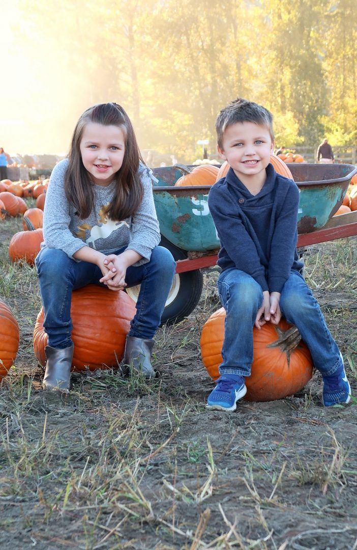 Pumpkin patch photo tips to capture great memories for a lifetime. Find the right times to photograph and how to set up a great shot.
