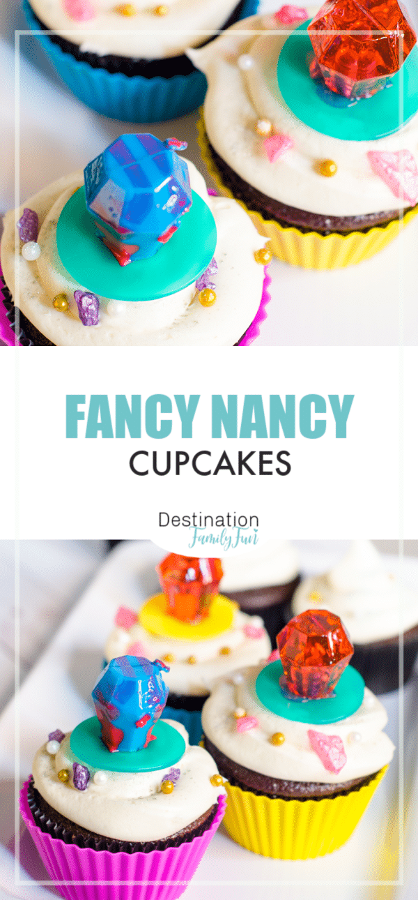 Fancy Nancy cupcakes are perfect for your next Fancy Nancy movie night or birthday party. A great Fancy Nancy Cake idea!#fancynancy #cupcakes