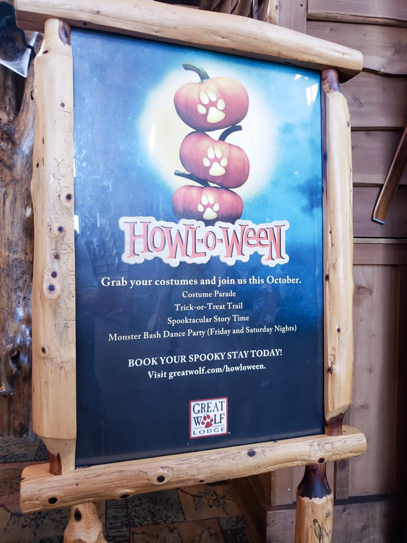 Halloween Great Wolf Lodge Howl-O-Ween sign