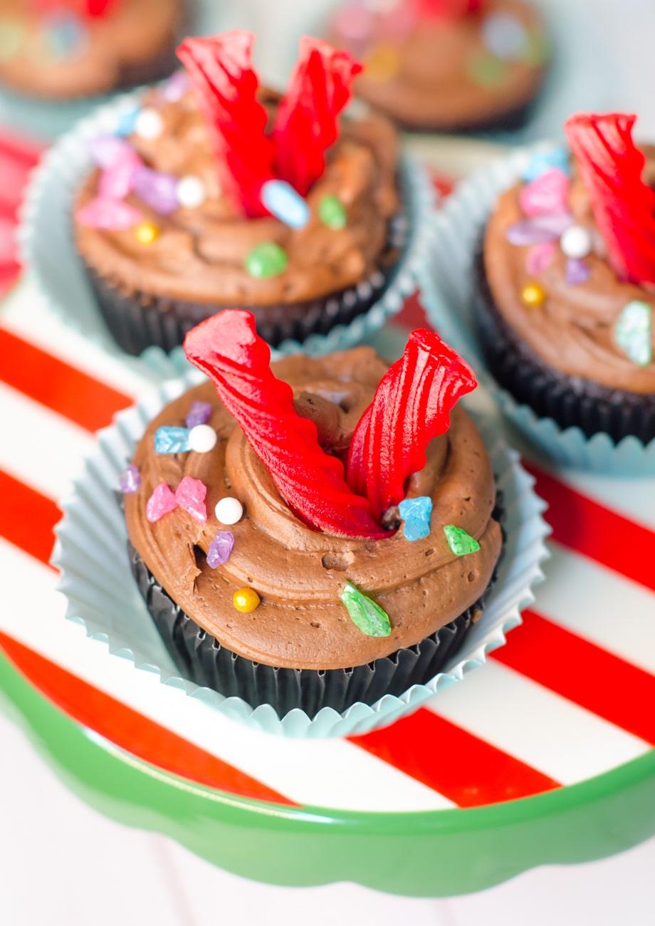Vanellope von Schweetz Cupcakes - Wreck-It Ralph Cupcakes are the sweetest for a Wreck-It Ralph Themed Party. #wreckitralph #vanellopevonschweetz #cupcakes