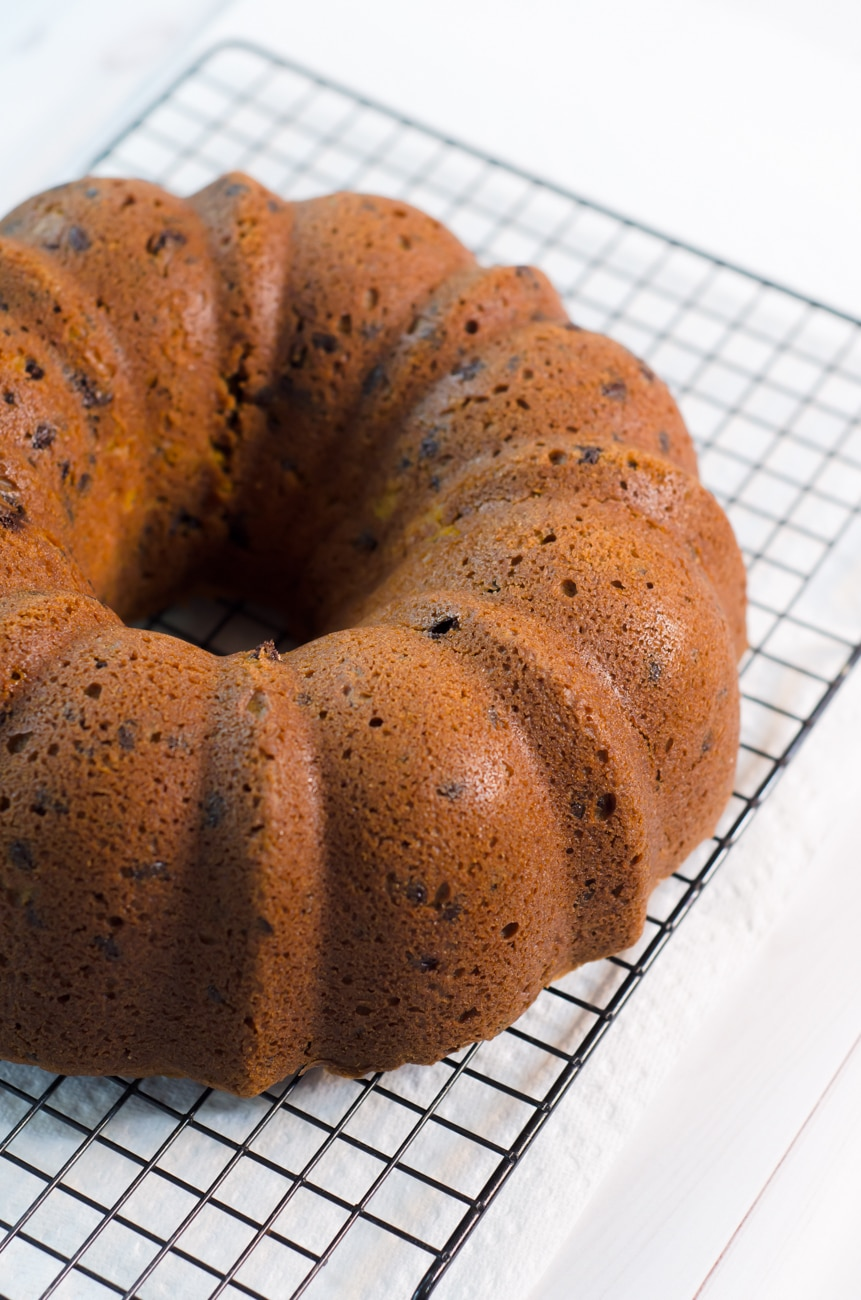 Easy Pumpkin Chocolate Chip Bread Recipe. #pumpkin #bread