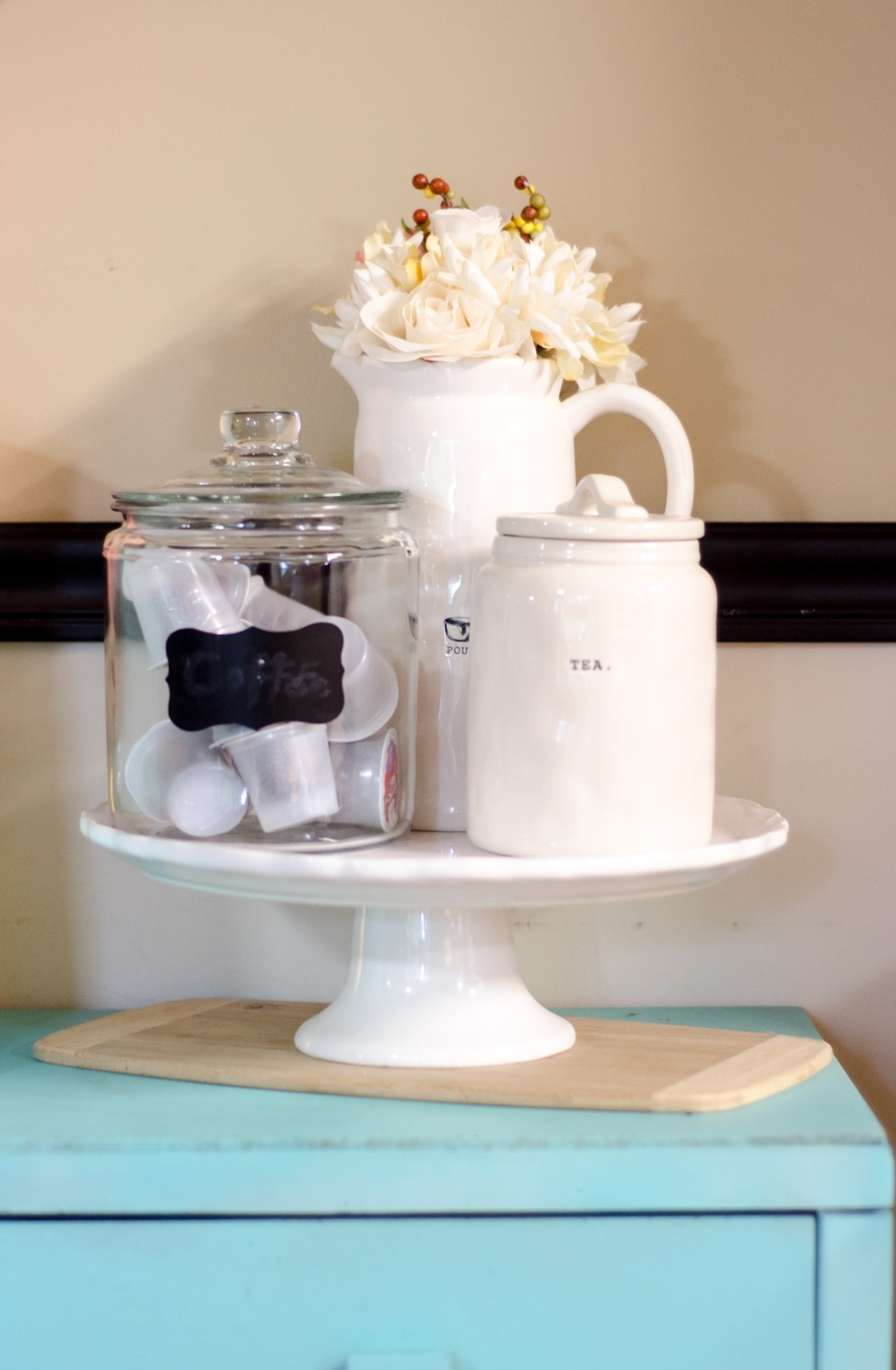 Home Coffee Bar Organization tips for keeping it all together. #home #coffee