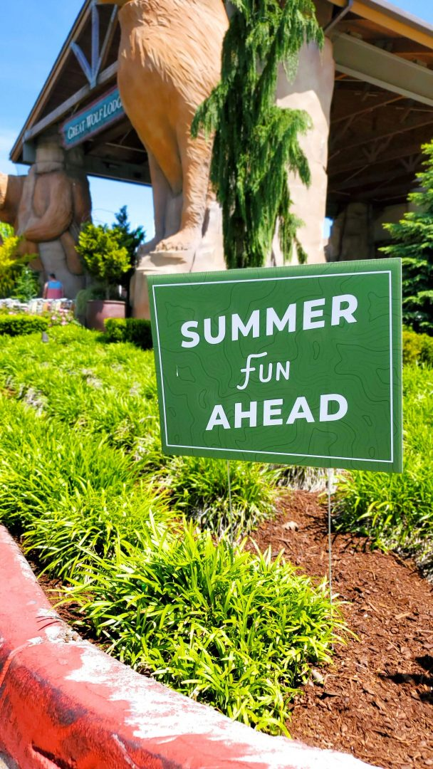 Great Wolf Lodge Summer Camp In Sign