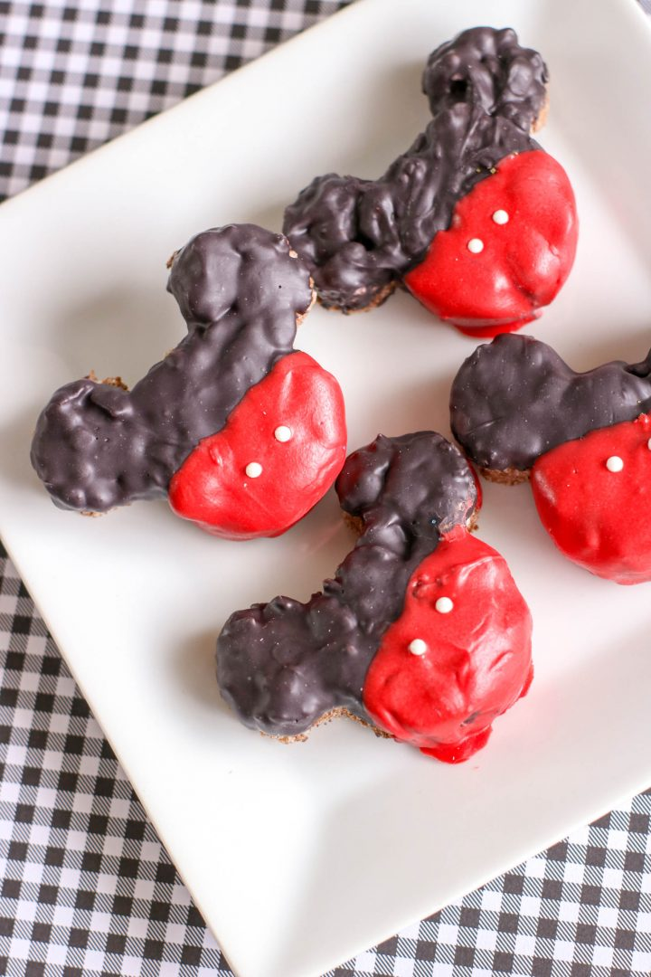 How to make Mickey Mouse Krispie Treats